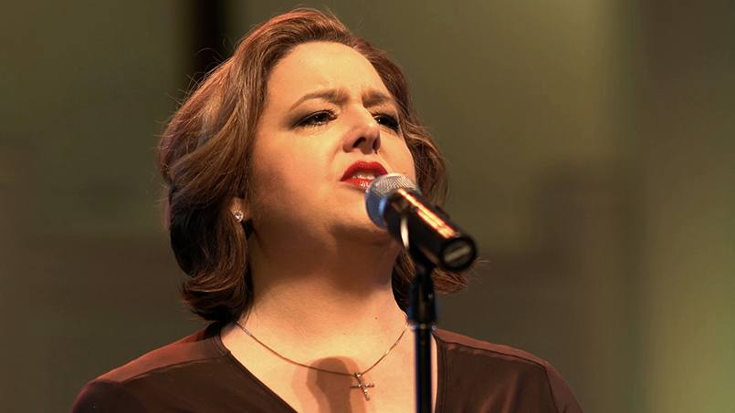 When Becky Loar injured her voice, she was alarmed by the prospect of not being able to sing. But her care team at Mayo Clinic provided Becky with the treatment she needed to hit the high notes once again.