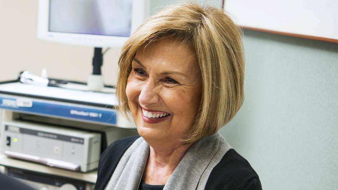 When faced with an alarming diagnosis of tongue cancer that threatened not only her health but also her livelihood, Paulette Walz looked to Mayo Clinic and found the expert care she needed.