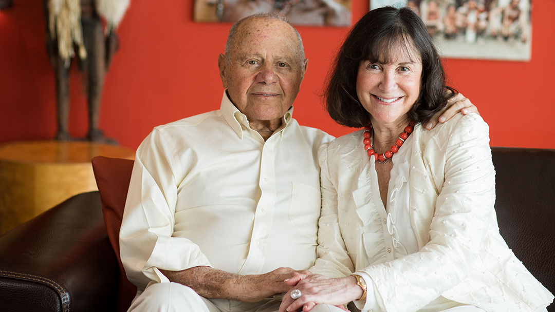 A seasoned traveler, Lou Appignani relishes exploration and discovery. So when he was diagnosed with an inflammatory condition that affects his skin, he and his wife, Laurie, decided to contribute to medical research at Mayo Clinic to help dermatology experts unravel the mysteries behind skin disorders.