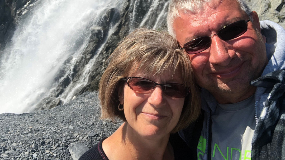 Brenda Braatz has been dealing with breast cancer since 2013. Although the diagnosis and its treatment haven't been easy, Brenda is thankful for the expert care, compassion and encouragement she's received from her Mayo team.