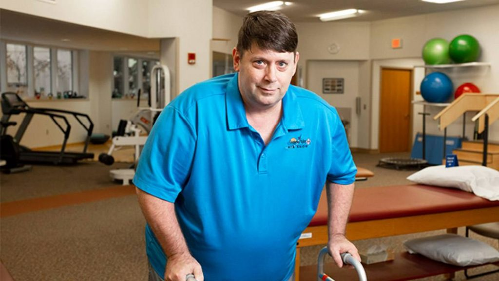 After Jim Hauck sustained serious injuries from a car accident in Nevada, Mayo Post Acute Care helped him return home, where he continues to recover and heal.