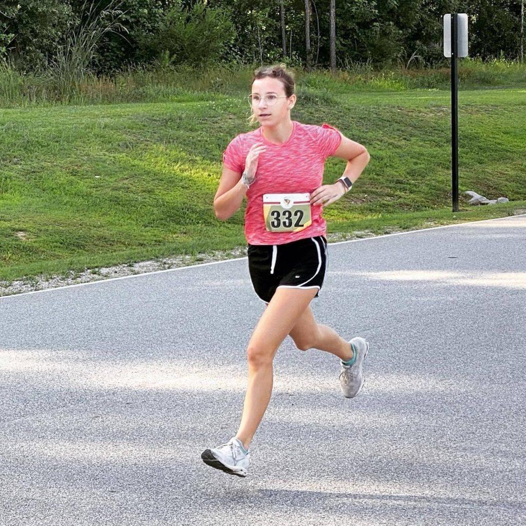 Scarlett Hutchins running